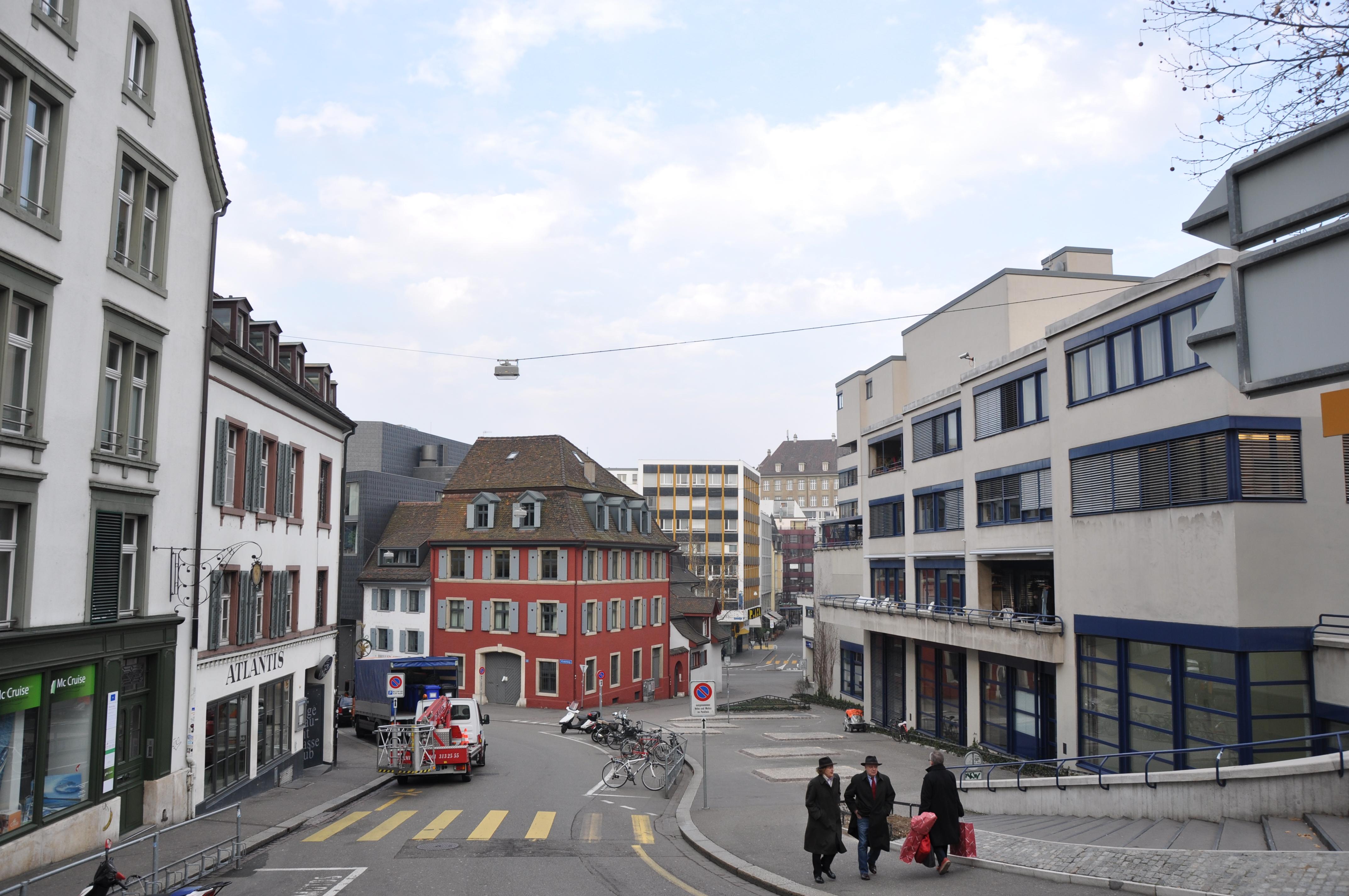 Klosterberg,_Basel,_Switzerland_-_panoramio